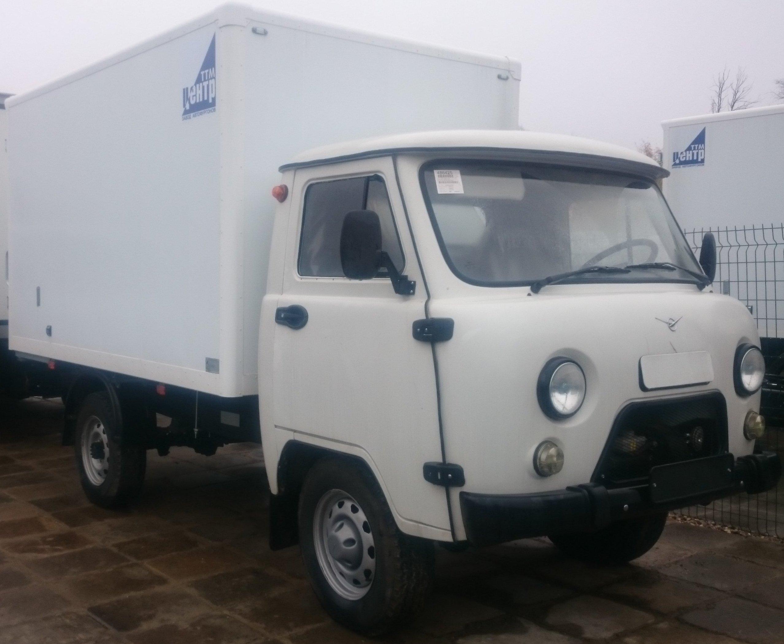 УАЗ 330365 с Промтоварным фургоном (увеличенный)