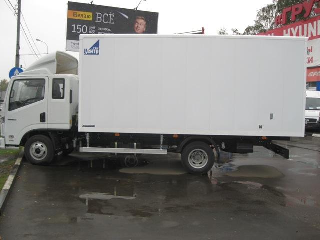 NAVECO c-300 со спальным местом и фургоном изотермическим.